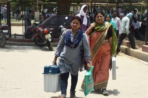 মহিলা ভোট কর্মী নিয়োগে বাধ্যবাধকতা নেই, স্বস্তিতে পূর্ব বর্ধমান জেলা প্রশাসন