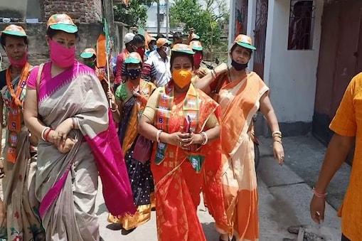 West Bengal Election 2021: গুলিবিদ্ধ হয়ে হাসপাতালের শয্য়ায় মালদহের BJP প্রার্থী, স্বামীর হয়ে প্রচারে নামলেন স্ত্রী!