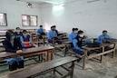 বাড়ছে করোনা, এবার স্কুলে গিয়ে ক্লাস বন্ধ করছে কলকাতার একের পর এক বেসরকারি স্কুল