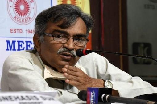 Bengal Poll Result: একক সংখ্যাগরিষ্ঠ না হলে মিলিজুলি সরকার TMC-BJP-র? নতুন মোড়কে পুরনো চাল চাললেন সূর্যকান্ত