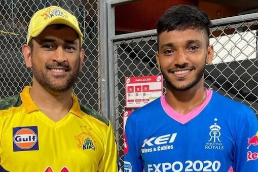IPL 2021: প্র্যাকটিস-এর জুতো ছিল না, অটোচালকের ছেলে ধোনিকে আউট করে আবেগপ্রবণ