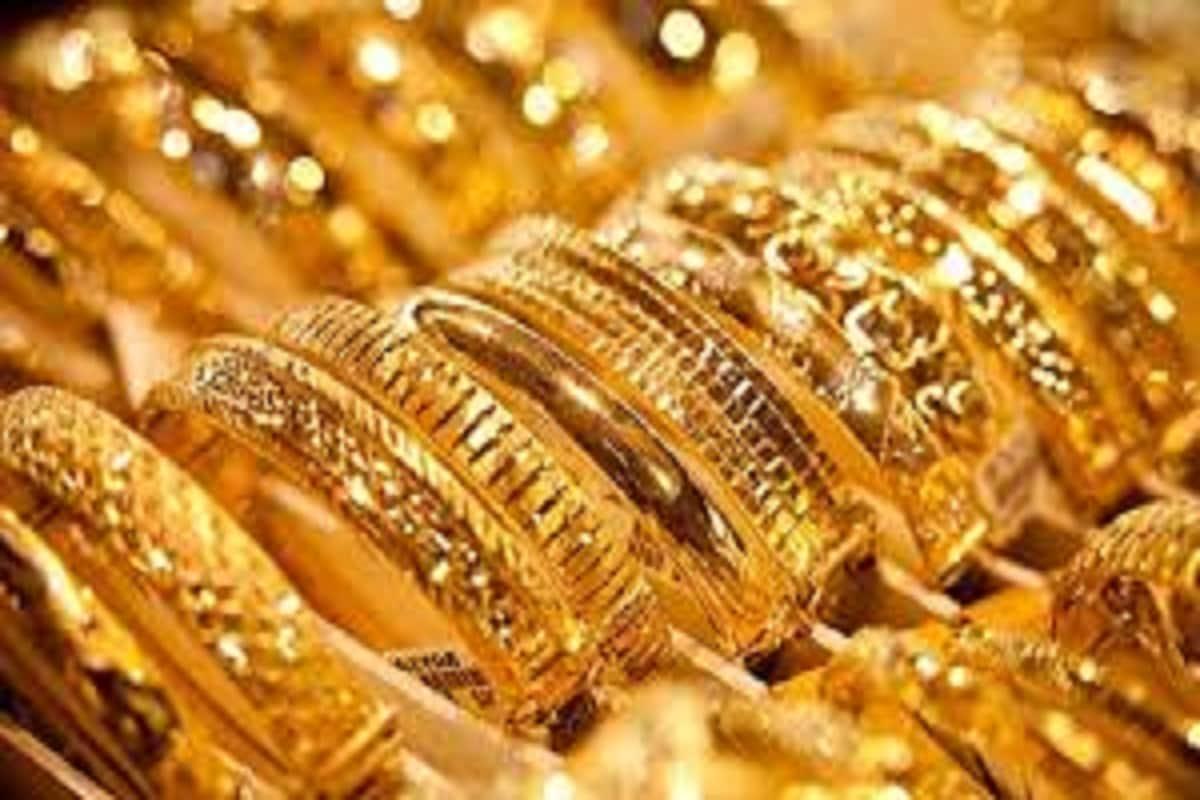 ২৪ ক্যারাটের ক্ষেত্রেও সোনার দাম (Gold Price) কমেছে ৷ প্রতীকী ছবি ৷