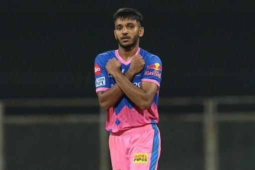 IPL 2021: সাকারিয়ার দুরন্ত বোলিং সত্ত্বেও বড় রান ধোনিদের