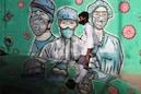 Coronavirus in India: দেশের করোনা গ্রাফ সামান্য নামলেও বেড়েই চলেছে মৃত্যু মিছিল