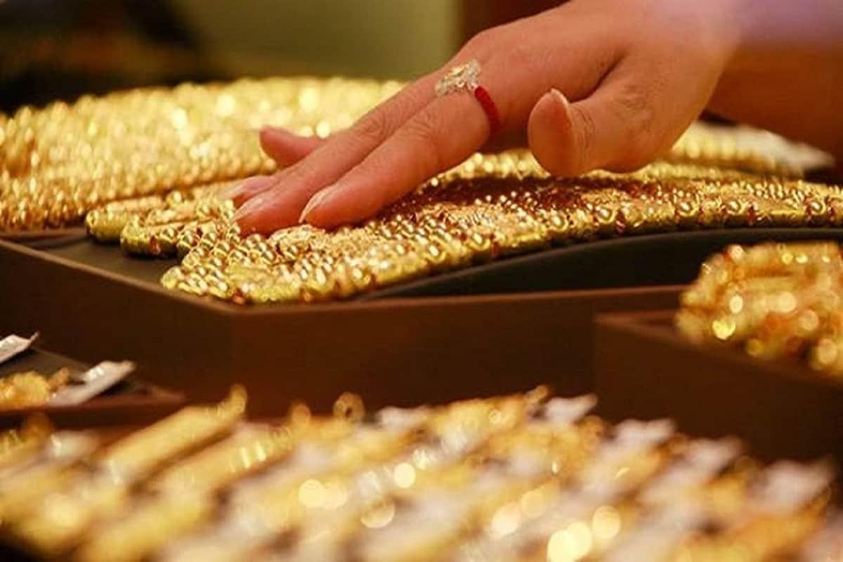 শহরে ২৪ ক্যারাট সোনার দামও (Gold Price Today) কমেছে প্রতি গ্রামে ফের সস্তা সোনা ৷ প্রতীকী ছবি ৷