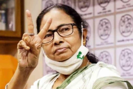 Mamata Banerjee: রাজভবনে মমতা, দ্রুত সরকার গঠন নিয়ে আলোচনা শুরু