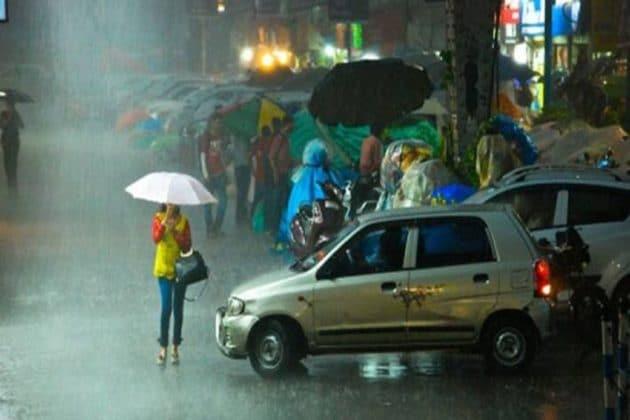 সকাল থেকে বদলাচ্ছে আবহাওয়া! বুধবার থেকে দুর্যোগ ঘনাবে 'এই' ৬ জেলায়, সতর্কতা জারি
