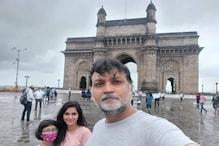 Srijit Mukherji : লিওপোল্ড ক্যাফে থেকে তাজচত্বর, ২৬-১১ হানার সাক্ষী জায়গাগুলিতে সপরিবার ফ্রেমবন্দি সৃজিত