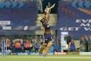 KKR vs MI Live: রান তোলার গতি বজায় রেখেছেন রাহুল ত্রিপাঠি, জয়ের দোরগোড়ায় KKR