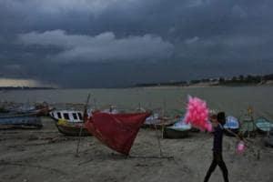 Cyclone Nisarga| শক্তিশালী ঘূর্ণিঝড় নিসর্গ ল্যান্ডফল করবে আগামিকাল, এখন ঠিক কোথায় ও স্পিড কত?