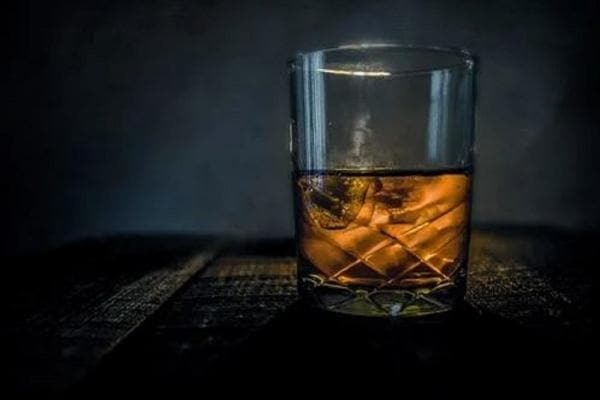 Whiskey পান শরীরের জন্য যে যে কারণে ভাল...