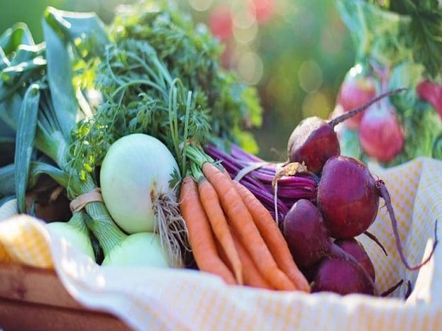 લો-ફેટ કાર્બોહાઇડ્રેટ્સ જ ડાયટમાં લો. તે તમારા મગજમાં ઉદભવત કેમિકલ સેરોટેનિનને વધારે છે જેનાંથી આપ સારુ વિચારી શકો છો. ડાયટમાં શાકભાજી-ફળ અને ફાયબર યુક્ત ખોરાકનો વધુમાં વધુ ઉપયોગ કરો.