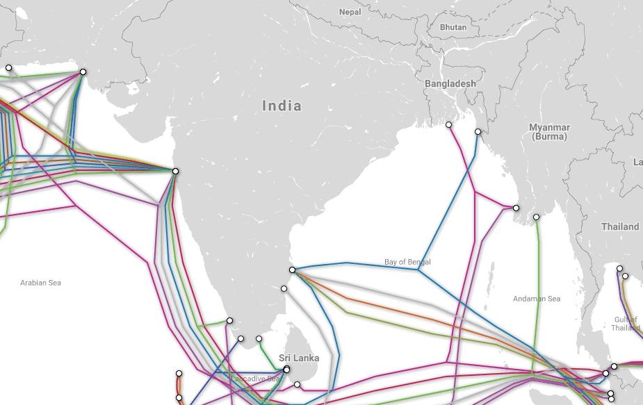 ભારતમાં આવો કેબલ મુંબઈ, ચેન્નાઈ, પોંડુચેરી, તિરુવંતપુરમ, કોચ્ચિન અને તૂતીકોરિનમાં છે. સમુદ્રની અંદર આ કેબલને મેટેંનન્સની ગણી જરૂરિયાત રહે છે. આ કેબલની લાઈફ 25 વર્ષની હોય છે.