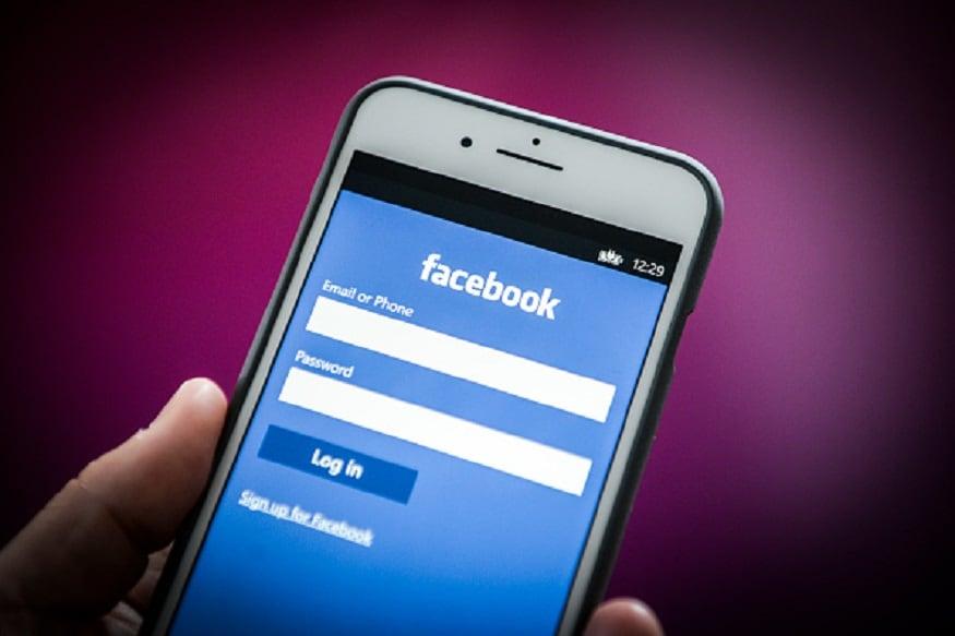 સિસ્ટમ અને મોબાઇલ ઉપર ફેસબુકનો ઉપયોગ કરનારા લોકોને છાસવારે ફરિયાદ રહે છે કે, ન્યૂઝ ફીડમાં અનચાનક વીડિયો શરૂ થઇ જાય છે. જેનાથી યુઝર્સ હેરાન થઇ જાય છે. આવી રીતે ઓટો પ્લે થનારા વીડિયોના કારણે મોબાઇલ ઇન્ટનેટ ડેટા પણ વધારે વપરાય છે. ચાલો જાણીએ સરળ રીતે જેનાથી તમને ઓટો પ્લે થતા વીડિચોને બંધ કરી શકો છો.