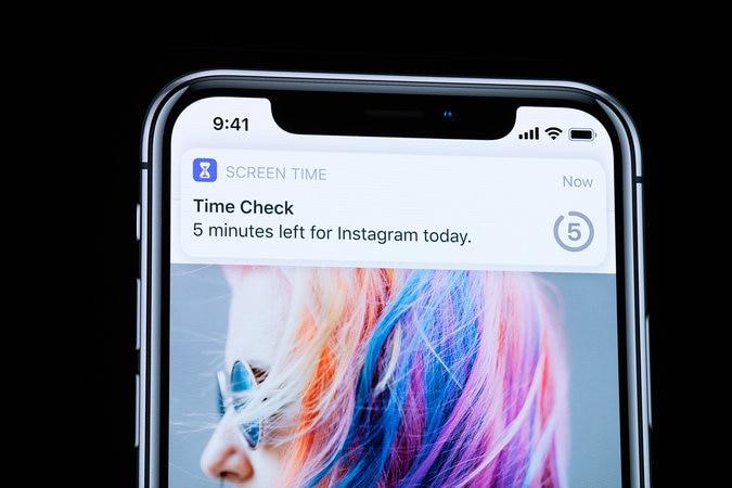 Screen Time: નવા અપડેટમાં તમને એ પણ જાણકારી મળશે કે આ અઠવાડિયે તમે કેવી રીતે અને ક્યાં ફોનનો ઉપયોગ કર્યો અને કોની પાછળ કેટલો સમય ગયો. કઈ એપ્લિકેશનના નોટિફિકેશન્સ વધારે આવી રહ્યા છે અને કયા સમયે ફોનનો ઉપયોગ વધારે કર્યો હતો. એપ્લિકેશનના ઉપયોગ અંગે તમે સમય મર્યાદા પણ નક્કી કરી શકશો. પેરેન્ટ્સને બાળકોની એક્ટિવિટિનો રિપોર્ટ પણ મળી શકશે. બાળકો કેવી રીતે ફોનનો ઉપયોગ કરે તે માટે પેરેન્ટ્સ તેને સેટ પણ કરી શકે છે.