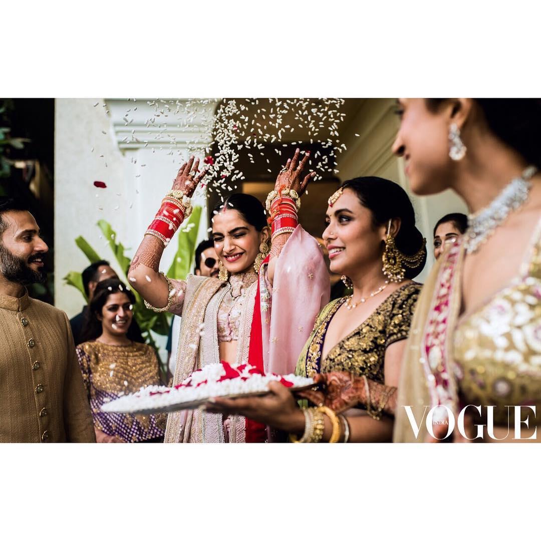 સોનમ-આનંદનાં લગ્નની આ ખાસ તસવીરો આ પહેલાં તમે ક્યાંય નહીં જોઇ હોય.
