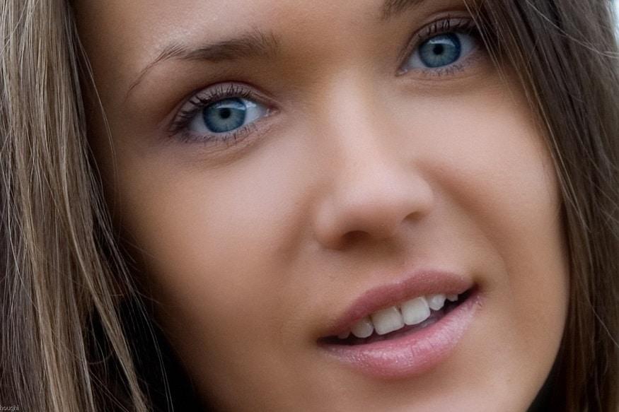 ગ્રે આંખો વાળા લોકો ખુબજ સાફ મનનાં હોય છે. તેઓ બાહ્ય જેટલાં સુંદર હોય છે એટલાં જ અંદરથી પણ સુદંર હોય છે તેમનાંથી લોકો તુંરત આકર્ષિત થઇ જાય છે. તેમનાં સર્કલમાં તેઓ ઘણાં લોકપ્રિય હોય છે.