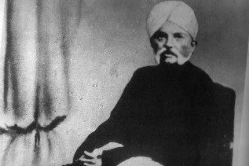 ગાંધીજીના પિતાનું નામ કરમચંદ ગાંધી હતું. ગાંધીજી તેમના પિતા કરમચંદ વિશે માનતા હતાં કે તેઓ કુટુંબપ્રેમી, સત્યપ્રિય, શૂરા, ઉદાર પરંતુ ક્રોધી હતાં.
