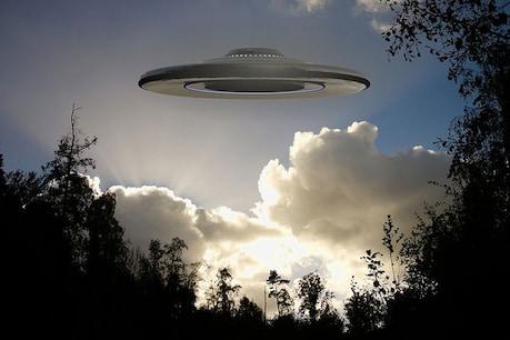 પૃથ્વી પર આવ્યા એલિયન? આયર્લેન્ડના ચાર પાયલટે UFO જોયાનો કર્યો દાવો