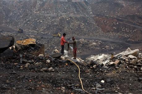 કોલસા કૌભાંડમાં ત્રણ પૂર્વ IAS અધિકારીઓને ત્રણ વર્ષની જેલની સજા