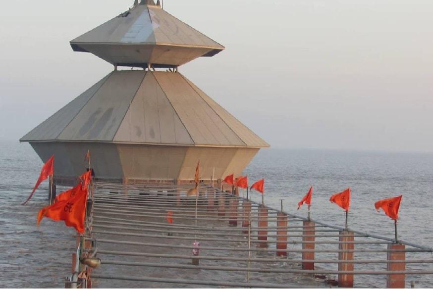 ભગવાન શિવના આ મંદિરની શોધ 200 વર્ષ પહેલા થઈ હતી. આ મંદિરમાં શિવલિંગના દર્શન દિવસમાં માત્ર 1 વખત જ થાય છે. બાકીનો સમય આ મંદિર સુદ્રમાં ડૂબેલું રહે છે. સમુદ્રતટ ઉપર દિવસમાં 2 વખત પાણીની મોજ આવે છે. જેનાં કારણે પાણી મંદિરના અંદર પહોંચી જાય છે. આ પ્રકારે સમુદ્રનું પાણી દિવસમાં 2 વખત જલાભિષેક કરી પાછું ફરે છે. આવું દરરોજ સવાર-સાંજ થાય છે. જે સમયે શિવલિંગ સંપૂર્ણ પાણીની અંદર જતું રહે છે. એ સમયે કોઈને પણ ત્યાં જવાની અનુમતિ નથી. અહીં આવતા શ્રદ્ધાળુઓને મંદિરનો સમય આપવામાં આવે છે