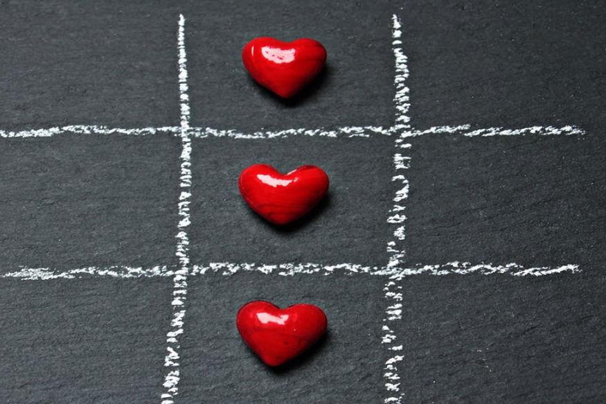 આ દિવસ એવો હોય છે કે પ્રેમમાં હોવા છતાં નવા રિલેશનના કારણે તમે તેને સેલિબ્રેટ પમ નથી કરી શકતા. તે પાછળ ઘણાં કારણો હોઈ શકે છે.