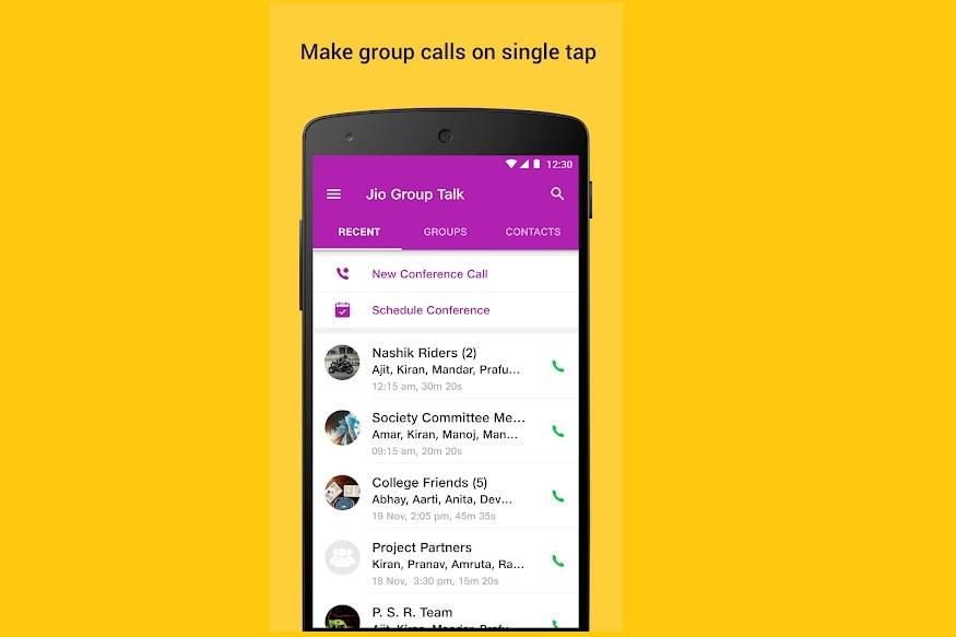 'Jio Group Talk'ને એન્ડ્રોઇડ અને iOS બંને યૂઝર્સ ઉપયોગ કરી શકે છે. એપને ડાઉનલોડ કર્યા બાદ યૂઝર્સને પોતાના જિયો નંબર એન્ટર કરવો પડશે. ત્યારબાદ તેમને એક ઓટીપી મળશે જેને નાખીને રજિસ્ટ્રેશન કરવું પડશે. રજિસ્ટ્રેશન પૂરું થયા બાદ જિયો યૂઝર એપનો ઉપયોગ કરી શકશે. તેનો ઉપયોગ કરતાં પહેલા સુનિશ્ચિત કરી લો કે આપનું જિયો સિમ ઓન છે અને એસએમએસ અને કોલિંગ સુવિધા પ્રયોગમાં છે.
