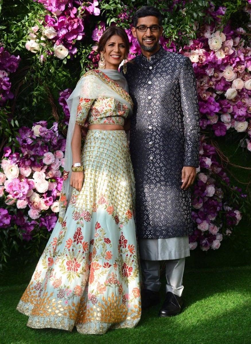 ગુગલનાં CEO સુંદર પિચાઇ તેમની પત્ની અંજલી સાથે લગ્નમાં શામેલ થયા હતાં (Image: Viral Bhayani)