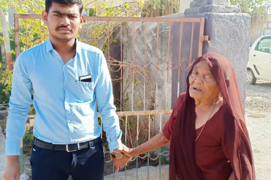લુણીવાવ ગામના 110 વર્ષના મારકણાં દૂધીબેને કુટુંબની ચોથી પેઢી સાથે મતદાન કર્યું હતું. સાથે જ તેમના પરિવારજનોના યુવાનો અને બાળકોને મતદાન કરવા અપીલ કરી હતી.