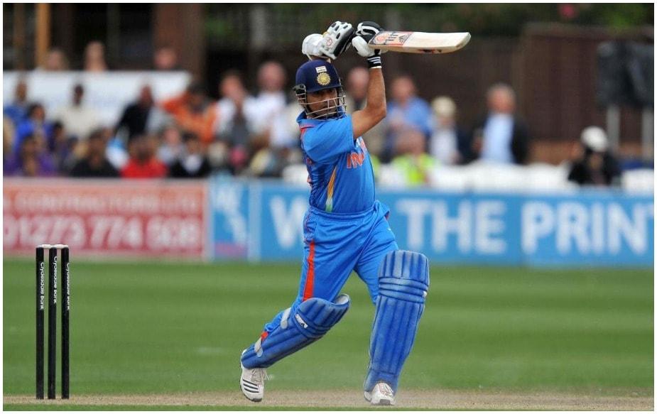 સચિન તેંડુલકરે લગભગ 24 વર્ષ ઇન્ટરનેશનલ ક્રિકેટમાં ભારતીય ટીમની સેવા કરી હતી અને આ દરમિયાન ઘણા રેકોર્ડ પોતાના નામે કર્યા હતા. આજે અમે તેના 46માં જન્મ દિવસ પર એવા કેટલાક રેકોર્ડ્સ બતાવી રહ્યા છીએ, જે તોડવા હાલ તો ઘણા મુશ્કેલ છે.