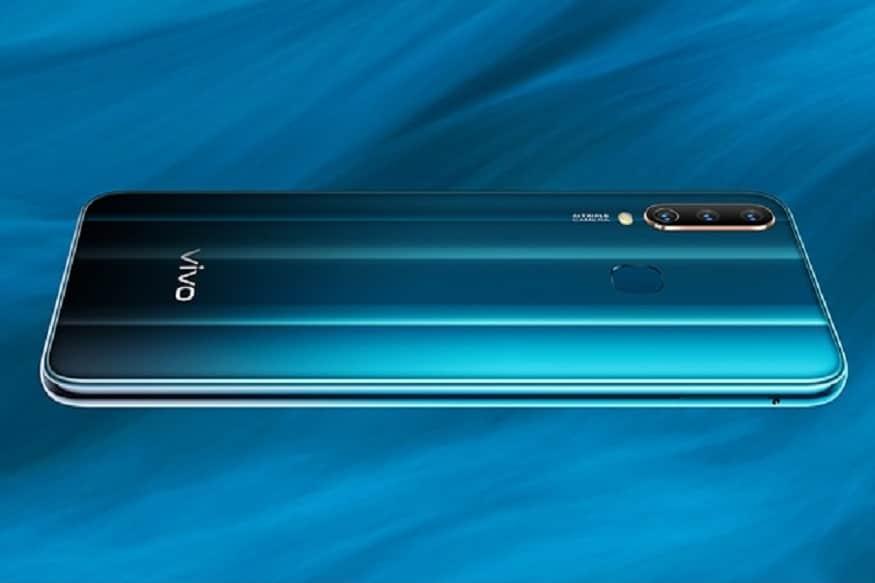 ચીનની સ્માર્ટફોન નિર્માતા કંપની વિવોએ ભારતમાં તેની મિડ-રેન્જનો સ્માર્ટફોન વિવો વાય 17 લોન્ચ કર્યો છે. આ સ્માર્ટફોન વિવો વાય સિરીઝનો આગામી સ્માર્ટફોન છે. વિવો વાય17ની ભારતમાં 17,990 રુપિયા કિંમતમાં રાખવામાં આવી છે.