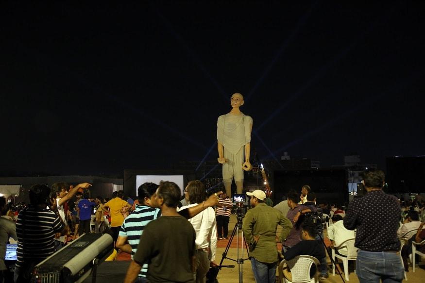 પપેટ અ જર્ની'નામની ગુજરાતી ફિલ્મનું નિર્માંણ થઇ રહ્યું છે. ગુજરાત સ્થિત ઇસાઇમેજિકાવર્લ્ડ દ્વારા આ ફિલ્મનું નિર્માણ થઇ રહ્યું છે.