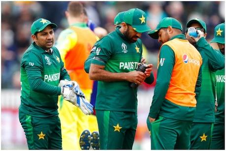 પાકિસ્તાન ટીમને પ્રતિબંધ કરવાની માંગણી, કોચ-પસંદગીકારની હકાલપટ્ટી નક્કી!