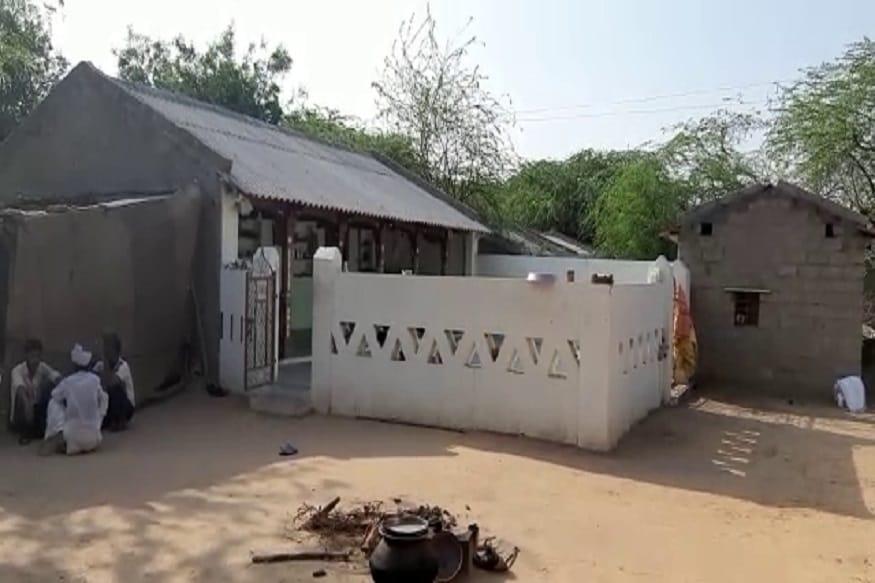 ગ્રામજનોએ મૃતક મહિલાના પતિને પકડીને પોલીસને હવાલે કર્યો હતો. પોલીસે તેની અટકાયત કરીને વધારે પૂછપરછ હાથધરી હતી.