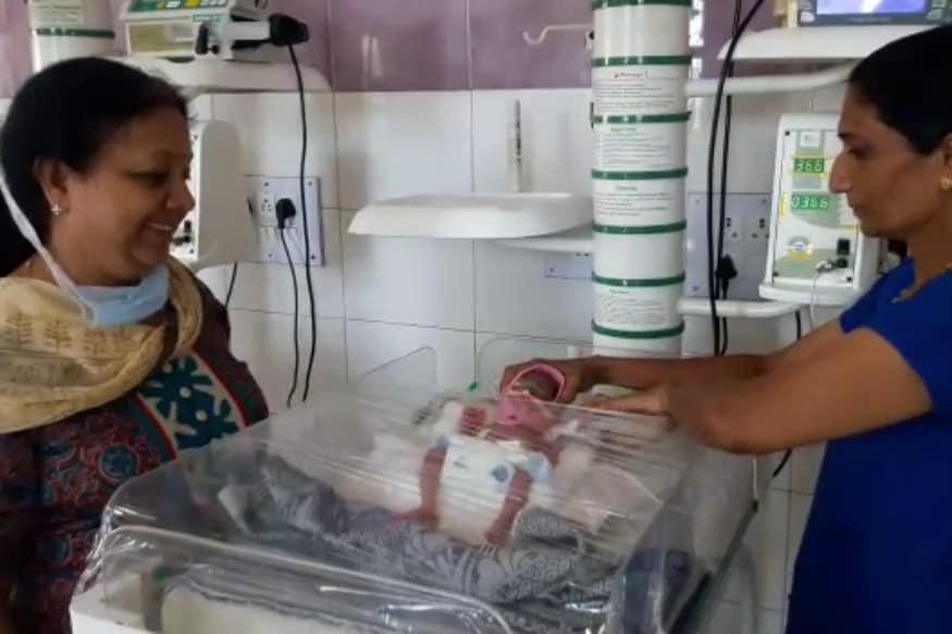 પિડીયાટ્રીક વિભાગના પ્રોફેસર ડો. શિલાબહેન ઐયરે જણાવ્યું હતું કે, રવિવારે રાત્રે એક મહિલાએ ચાર બાળકોને જન્મ આપ્યો છે. જેમાં બાળકીનું વજન 1 કિ.ગ્રામ, બે બાળકોનું 1.200 કિ.ગ્રામ અને અન્ય એક બાળકનું વજન 1.100 કિ.ગ્રામ વજન છે.