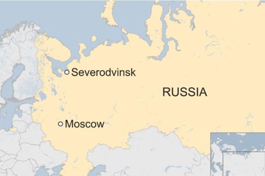 મેડિકલ સ્ટોરમાં દવા લેવા લોકોની ભીડ : રશિયાના ન્યોનોસ્કામાં રોકેટ પરીક્ષણ દરમિયાન બ્લાસ્ટ થવાથી સેવેરોદ્વિંસ્ક શહેરમાં રેડિએશન સ્તર સામાન્યથી 20 ગણું ઉપર પહોંચી ગયું છે. રેડિએશનના ખતરાને જોતાં લોકો મેડિકલ સ્ટોર પર આયોડિન અને દવા લેવા માટે દોડી રહ્યા છે.