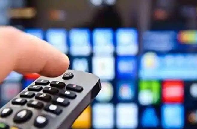 ડિશ ટીવીનો શોર્ટ ટર્મ પ્લાન ઓફર્સ વિશે વાત કરીએ તો થોડા સમય પહેલા આમાં ફેરફારો કરવામાં આવ્યાં છે. ઓફર હેઠળ ગ્રાહકો કંપનીની 3-મહિનાની સબસ્ક્રાઇબ્સ યોજના પર સાત દિવસ, 6 મહિનાના પ્લાન પર 15 દિવસ અને 11 મહિનાના પ્લાન પર 30 દિવસનું એડિશન સબ્સક્રિપ્શન મુફતમાં મેળવી શકો છો.
