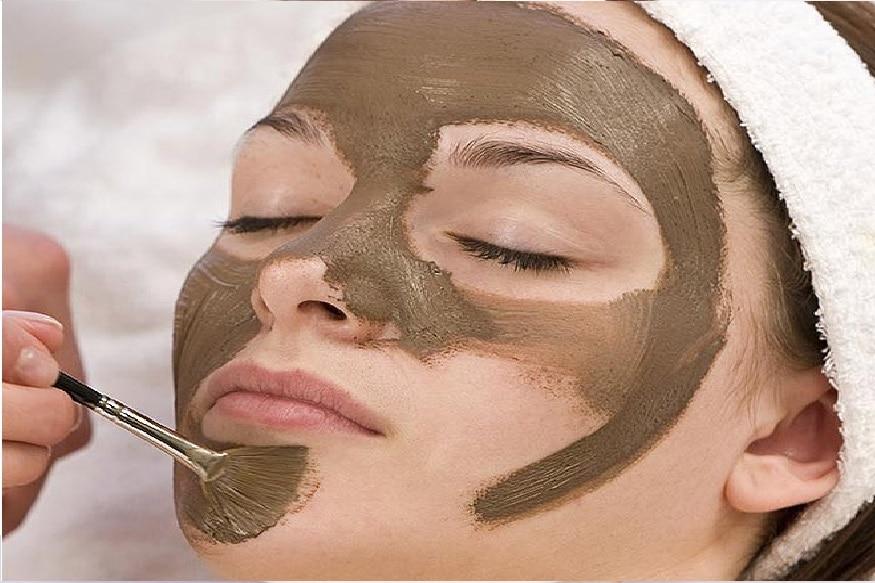 જો તમે ઇચ્છો તો પહેલાની જેમ જ તમારી ચામડી ચમકાવી શકો છો. તે માટે 1 ચમચી મિલ્ક પાવડરમાં 2 ટી.સ્પૂન લીંબુનો રસ ઉમેરી મિક્સ કરી ચહેરા પર લગાવો. અઠવાડિયામાં એકવાર આ પેકનો ઉપયોગ કરી શકાય છે.
