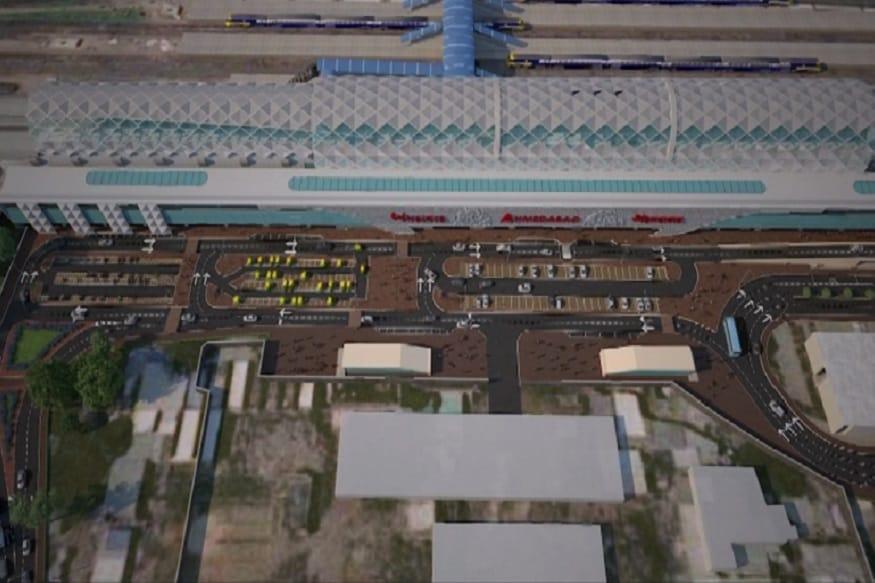 બુલેટ ટ્રેન મુંબઈથી અમદાવાદ વચ્ચે 12 સ્ટેશન આવશે. આ ટ્રેનની ઓપરેટિંગ સ્પીડ 320 કી.મી પ્રતિ કલાક હશે. 2.07 કલાકમાં 508 કિલોમીટરનુ અંતર કાપશે.