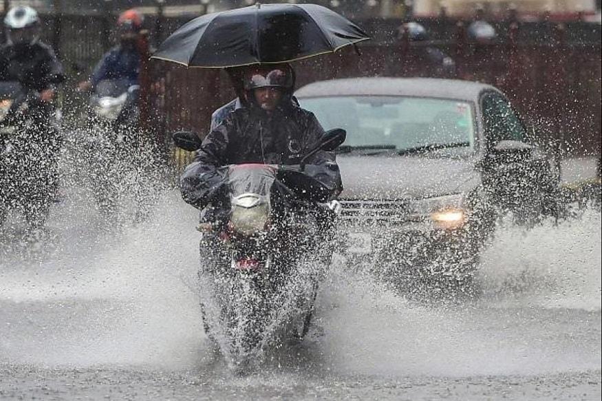 આજે છોટાઉદેપુરના કવાંટ અને નસવાડીમાં વરસાદ નોંધાયો હતો. કવાંટમાં સવારમાં બે કલાકમાં 2 ઇંચ વરસાદ, તો નસવાડીમાં એક ઈંચ જેટલો વરસાદ પડ્યો હતો.