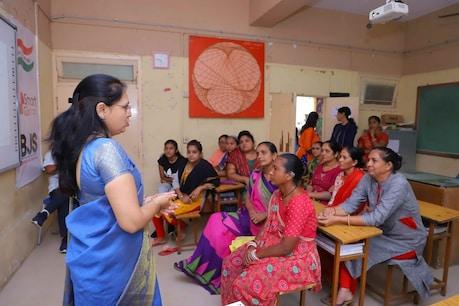 તરુણ છોકરીઓએ શું કરવું ? સ્માર્ટ ગર્લ પ્રોજેક્ટમાં આવી અપાય છે તાલીમ