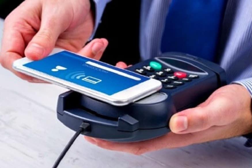 કંપનીએ એક પ્રકાશનમાં જણાવ્યું છે કે ગ્રાહકો એસબીઆઈ કાર્ડ પેમાં નજીકના (NFC) ફીલ્ડ કૉમ્યુનિકેશન ટેકનોલોજી દ્વારા પીઓએસ પર ચુકવણી કરી શકે છે. આ માટે તેઓએ ફક્ત તેમના મોબાઇલ પર ટેપ કરવું પડશે અને આ માટે તેમને પીઓએસ પર ક્રેડિટ કાર્ડને સ્વાઇપ કરવાની અથવા પિન દાખલ કરવાની જરૂર રહેશે નહીં. આ ચુકવણી ફક્ત એનએફસી ટેકનીકથી સજ્જ પીઓએસ મશીનો પર થઈ શકે છે.