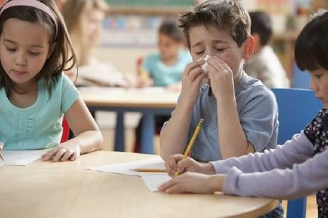 વાતાવરણથી બીમાર પડે છે બાળક, આ કામ કરી બાળકને માંદા થતા અટકાવી શકાય