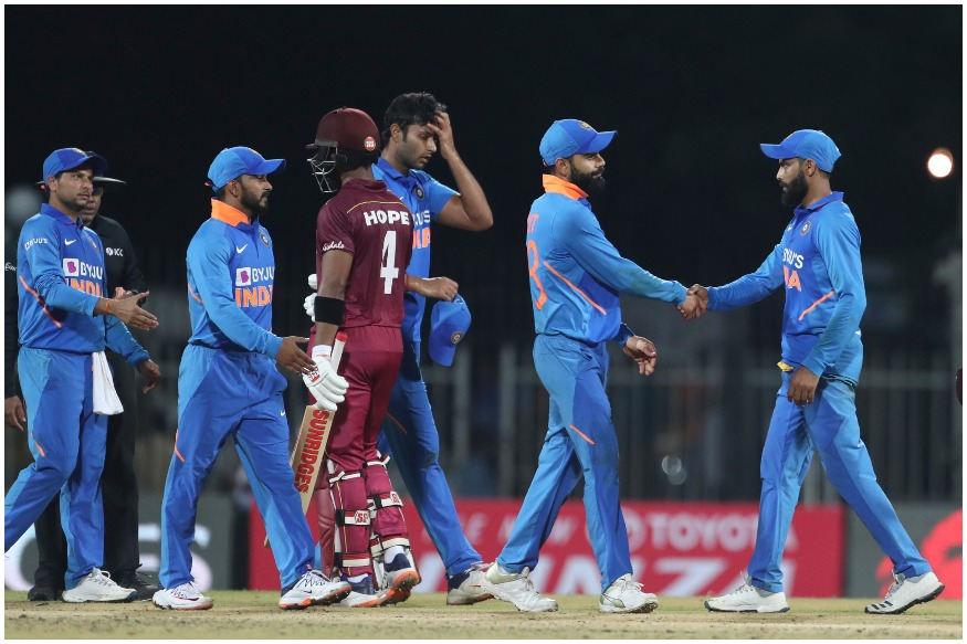 ખરાબ ટીમ સિલેક્શન : ટીમ ઈન્ડિયાએ ચેન્નઈ વનડેમાં યોગ્ય ટીમ સિલેક્શન ન કર્યું. ભારતીય ટીમ માત્ર 4 બોલરોની સાથે મેદાનમાં ઉતરી. પાંચમા બોલર માટે ટીમે શિવમ દુબે અને કેદાર જાધવ પર આધાર રાખ્યો અને આ બાબત તેની પર ભારે પડી ગઈ. જાધવે એક ઓવર ફેંકી અને 11 રન આપ્યા. બીજી તરફ શિવમ દુબેએ 7.5 ઓવરમાં 68 રન આપ્યા અને તેને એક પણ વિકેટ ન મળી.