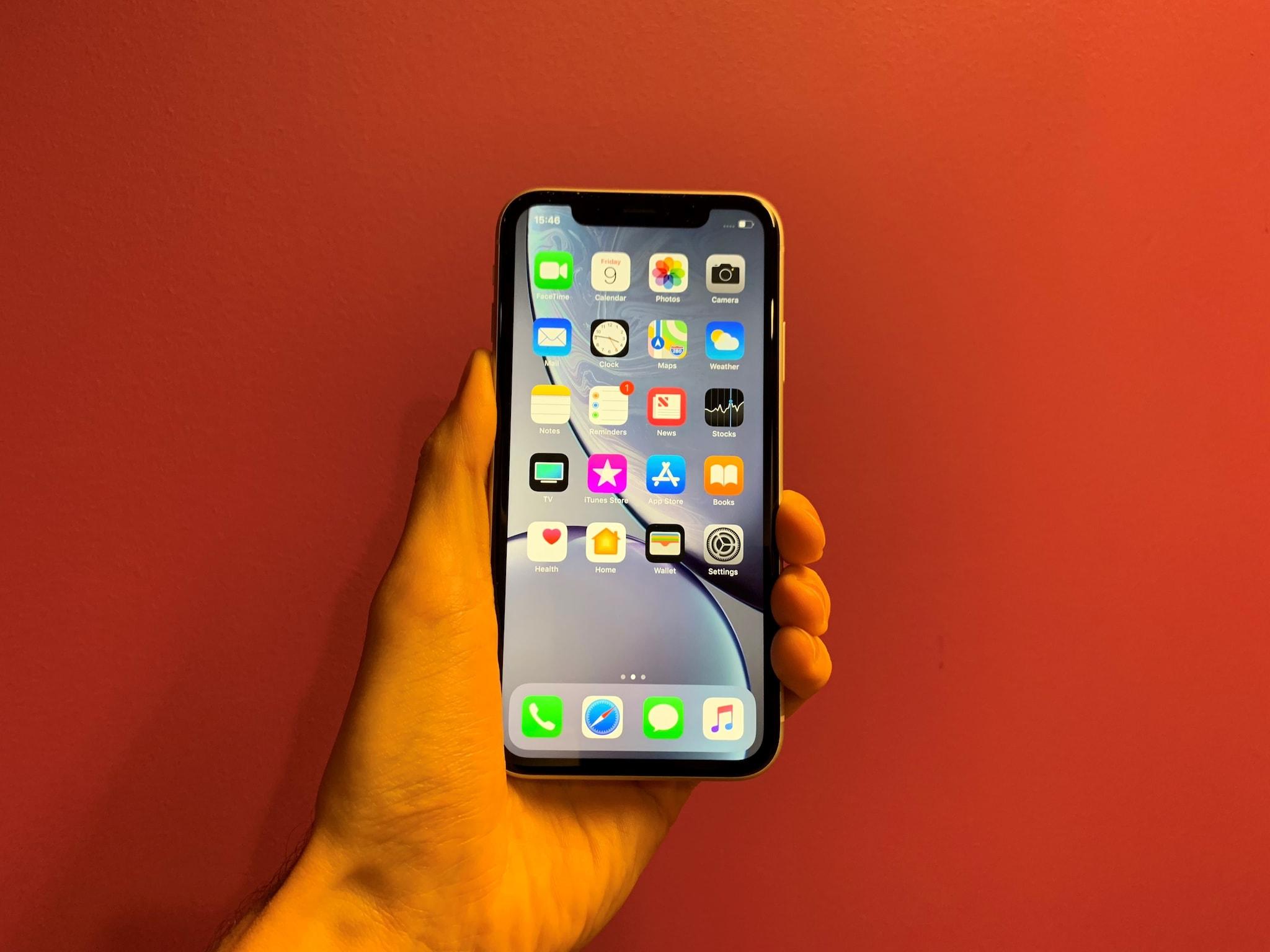 iPhone XR- તેના 128 જીબી વેરિએન્ટ 5000 રૂપિયાના ડિસ્કાઉન્ટ પર ખરીદી શકો છો. આ ફોનની બજાર કિંમત 49,900 રૂપિયા છે, પરંતુ જો તમે એચડીએફસી ક્રેડિટ / ડેબિટ કાર્ડથી ચુકવણી કરો છો, તો તમને ફ્લેટ 5 હજાર રૂપિયાની છૂટ મળશે.