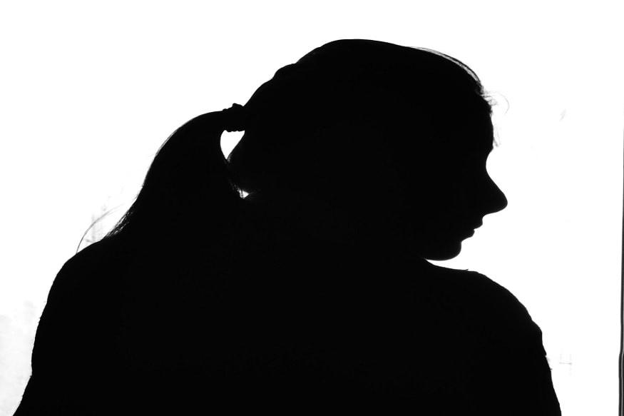 સુરતઃ ભેજાબાજે બે મિનિટમાં જ NRI મહિલાને આવી રીતે લગાવ્યો રૂ 1.75 લાખનો ચુનો