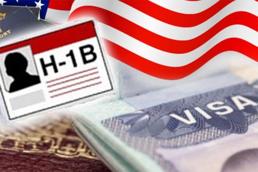 અમેરિકામાં એચ-1બી (H-1B Visa) વીઝા પર નોકરી કરનાર ભારતીયો (Indians)ની મુશ્કેલી વધી શકે છે. એચ 1 બી વીઝા સ્પેશલાઇઝ્ડ સ્કિલ વાળા બિન અમેરિકનને આપવામાં આવે છે. જેમને અમેરિકામાં રહીને કામ કરવાની કાનૂની છૂટ મળે છે. આ વીઝા પર લાખોની સંખ્યામાં ભારતીયો અમેરિકામાં નોકરી કરી રહ્યા છે. જો કે આમાંથી અનેકને કોરોના સંકટમાં સેલેરી આપ્યા વગર રજા પર ઉતારી દેવામાં આવ્યા છે. અને માટે જ આવા ભારતીયોની મુશ્કેલી હાલ વધી ગઇ છે.