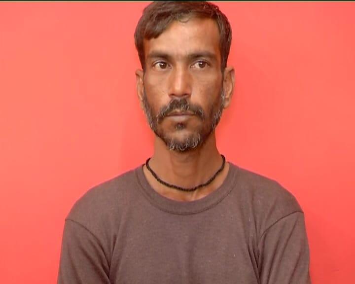 આજે રાજકોટ પોલીસે આ મામલે પત્રકાર પરિષદ (Rajkot Police) યોજી હતી અને આ મામલે મોટો ખુલાસો કર્યો હતો. આ સિરિયલ કિલરે અમદાવાદમાં લોહીની નદીઓ વહેડાવાનો પ્લાન બનાવ્યો હતો. સિયિરલ કિલરે અમદાવાદના ઉદય ગનહાઉસ (Uday GunHouse)ના માલિક ઉદયસિંહ ભદોરિયા (Udaysinh Bhadoriya)ની હત્યાની સોપારી લીધી હતી.