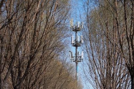 5G ટેક્નોલોજીથી ફેલાય છે કોરોના! બ્રિટનમાં અફવા ફેલાતાં ટેલીકૉમ ટાવરમાં લગાવી આગ