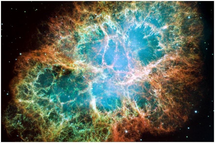 આ સુપરનોવામાંથી સામાન્ય સુપરનોવા કરતા 500 ગણી વધુ ઉર્જા ઉત્પન્ન થઈ છે. જ્યારે બે વિશાળ તારાઓ એક સાથે ટકરાતા હોય ત્યારે આ સુપરનોવા રચાય છે. નેચર એસ્ટ્રોનોમી તરીકે ઓળખાતા પીઅર રિવ્યુ નામના જર્નલમાં પ્રકાશિત થયેલા તેમના સંશોધન પેપરમાં સંશોધનનાં સહ-લેખક ઇડ્ડુ બર્ગરએ તેનું કદ, .ઉર્જા અને તેજ સિવાય તેને ઘણી રીતે ખૂબ વિશેષ ગણાવ્યું છે.